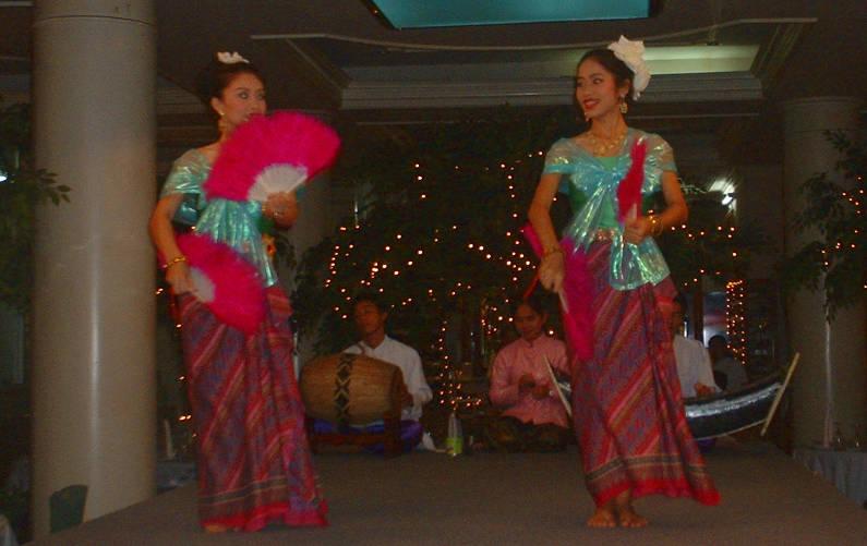 2 Traditional Thai Dancers