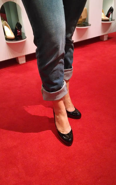 Nadia Trying on a Pair of Christian Louboutin Black Pump in San Francisco