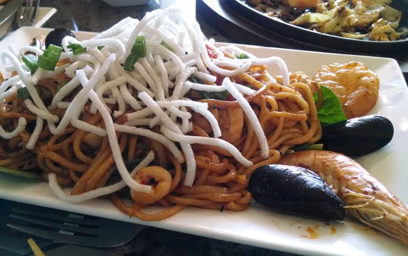 Burnt Rice Seafood Stir Fry