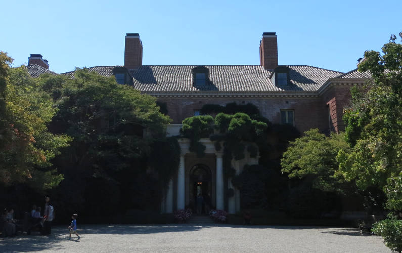 Filoli Pebble Driveway and House Frontal Exterior