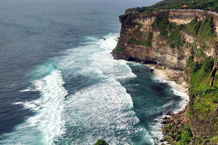Cliff Uluwatu Temple Bali Tour 03