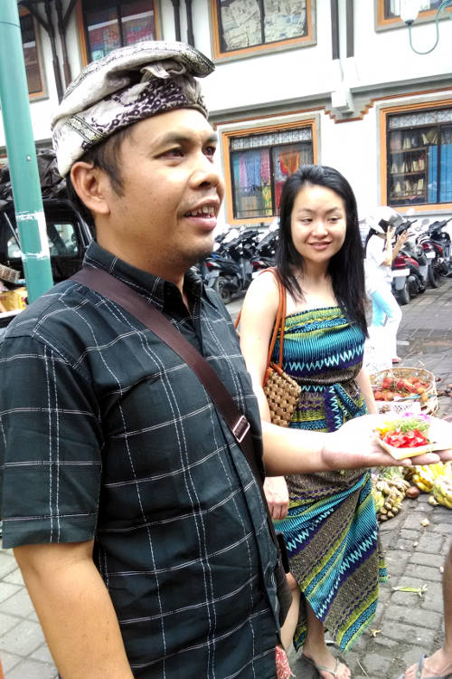 Guide Market Paon Cooking Bali