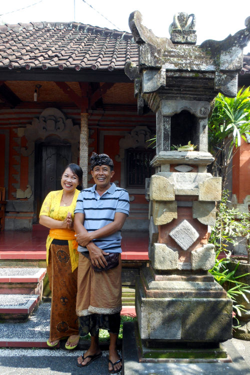 Husband and Wife Paon Cooking Class Bali