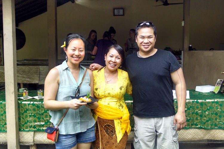 Nadia and JM Paon Cooking Bali