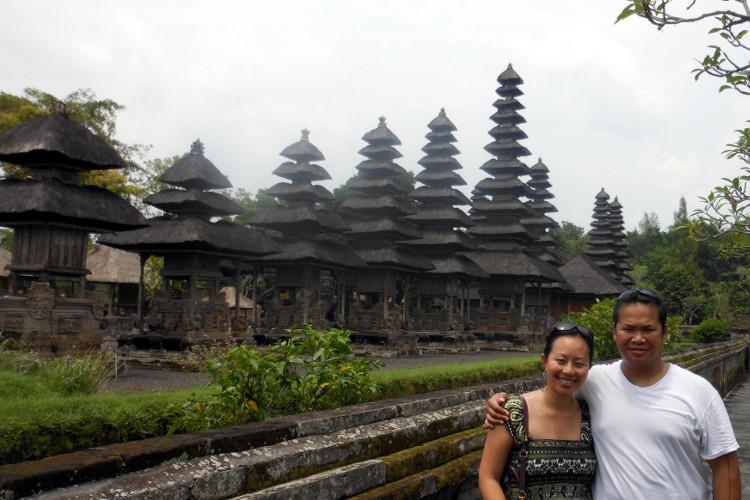Nadia and JM Pura Taman Ayun Bali Tour 02