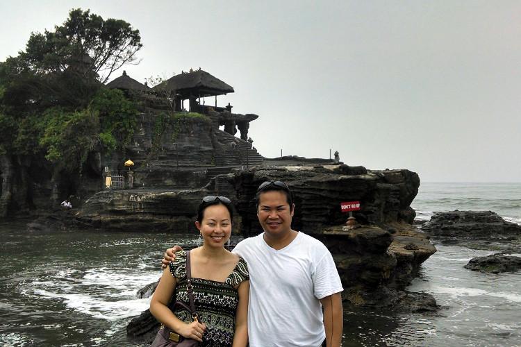 Nadia and JM Tanah Lot Temple Bali Tour 02