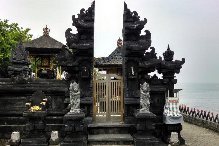 Tanah Lot Temple Bali Tour 03