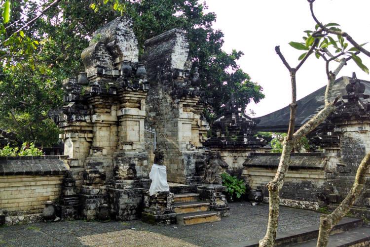 Uluwatu Temple Bali Tour