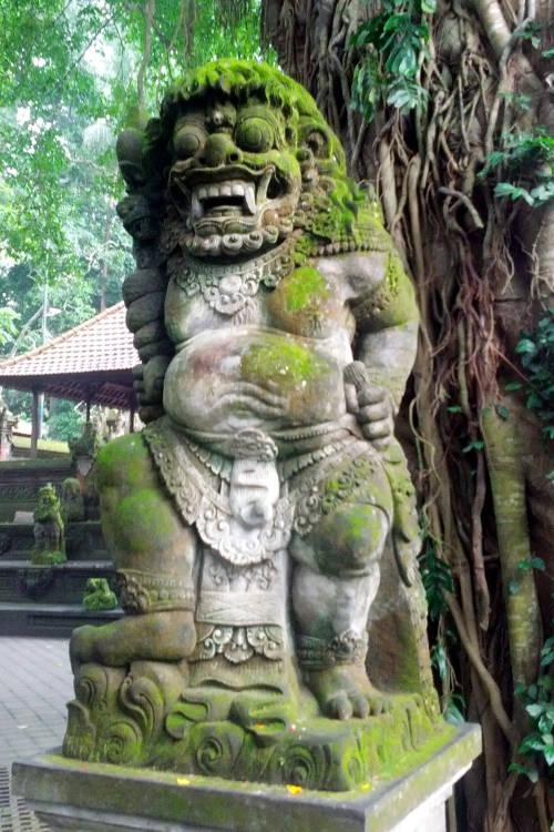 statue Monkey Forest Bali 04