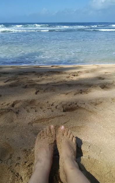 feet tunnel beach Kauai HI (67)
