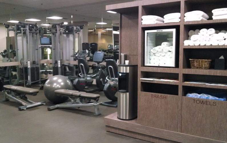 aVancouver Westin Bayshore Gym
