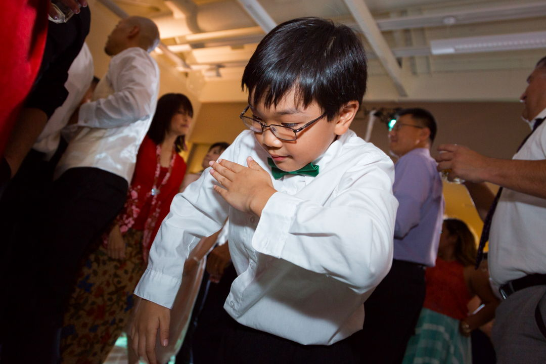 Dance floor shennaningans 04