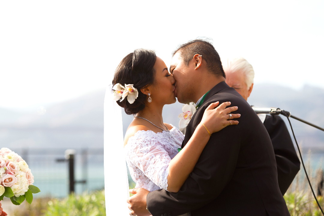 Nadia kissing JM finalizing their wedding vows