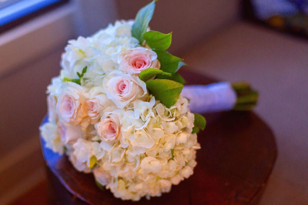 Nadias wedding boquet of flowers