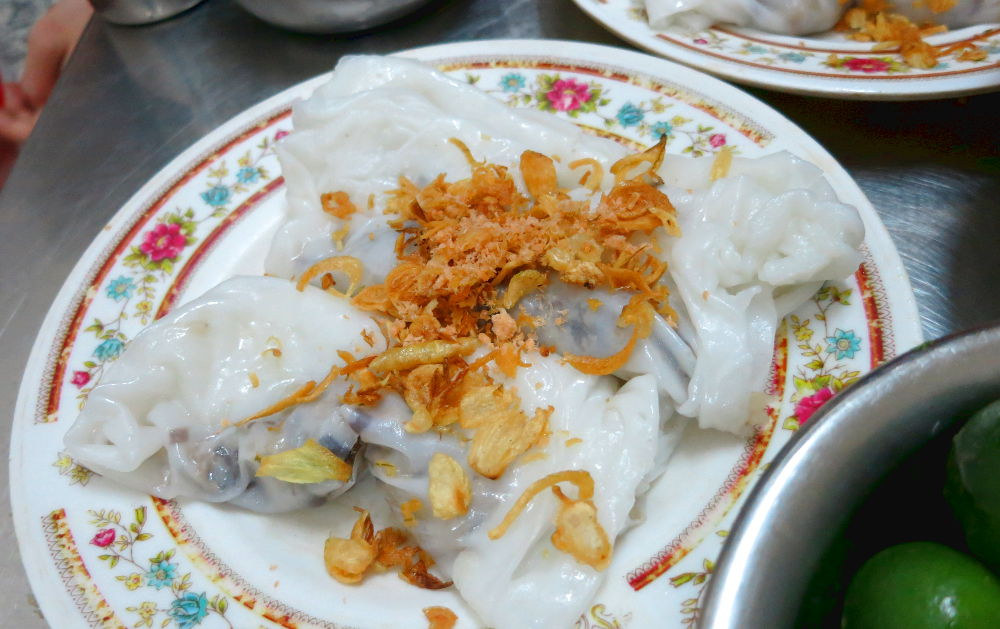Banh Cuon Thit During the Hanoi Street Food Tour