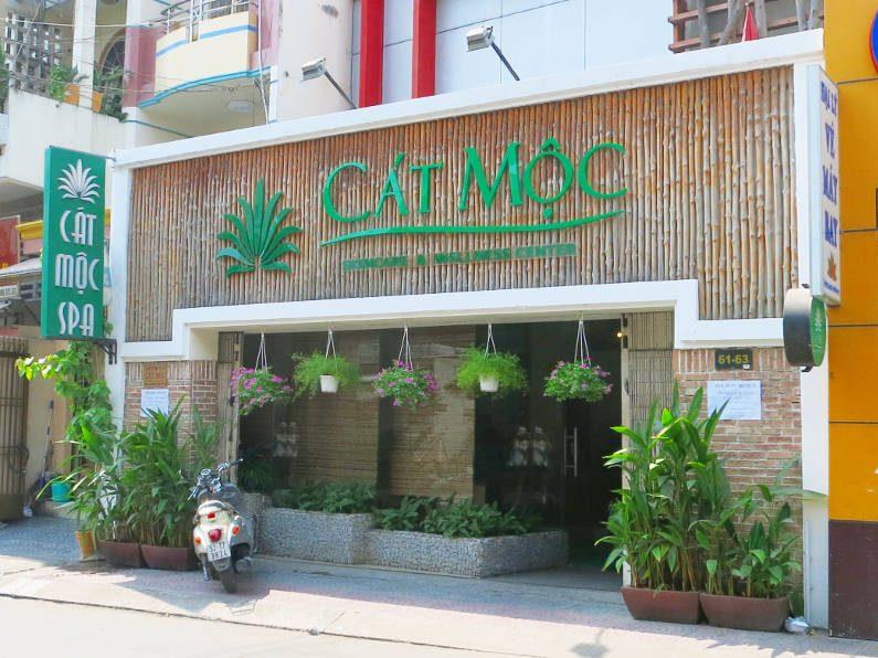 Signage at Cat Moc Spa Saigon