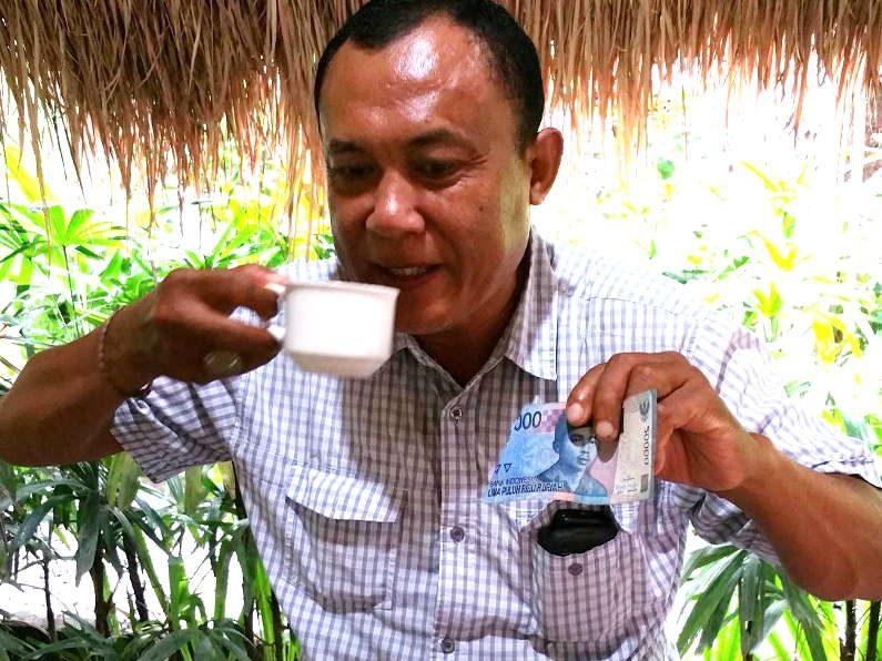 Drinking Kopi Luwak in Bali