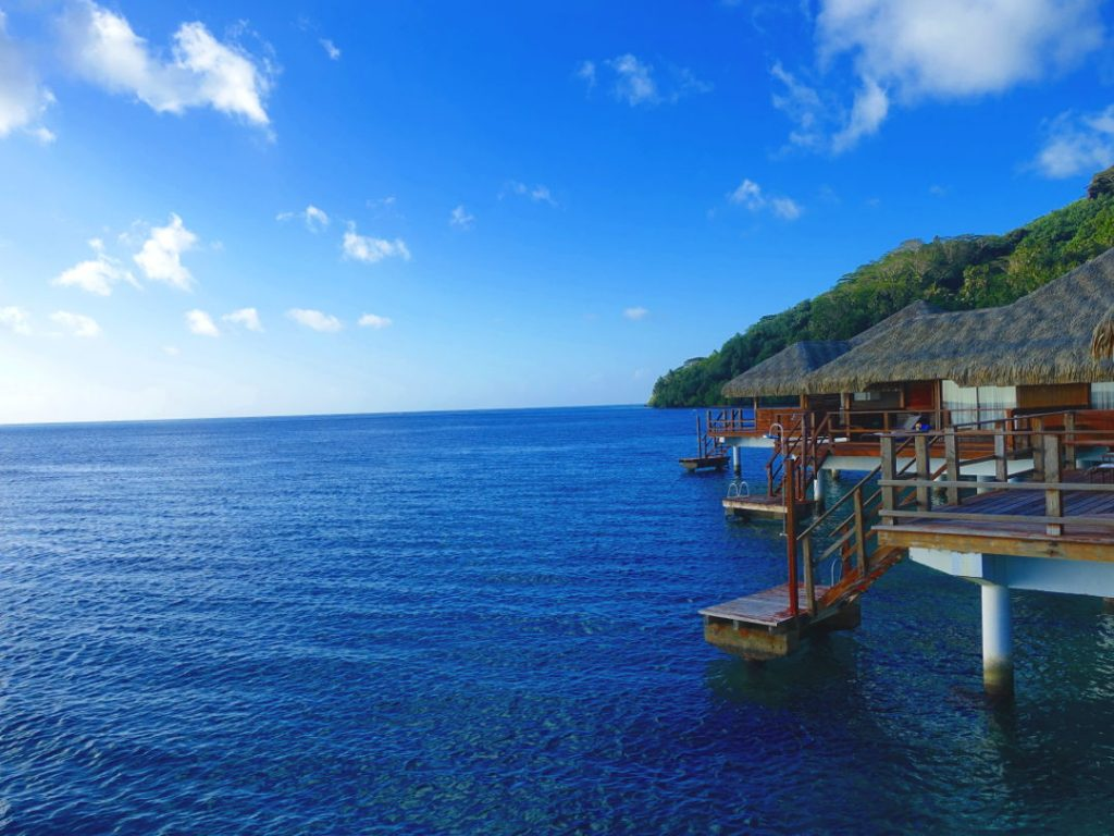Over water suites in Huahine 04