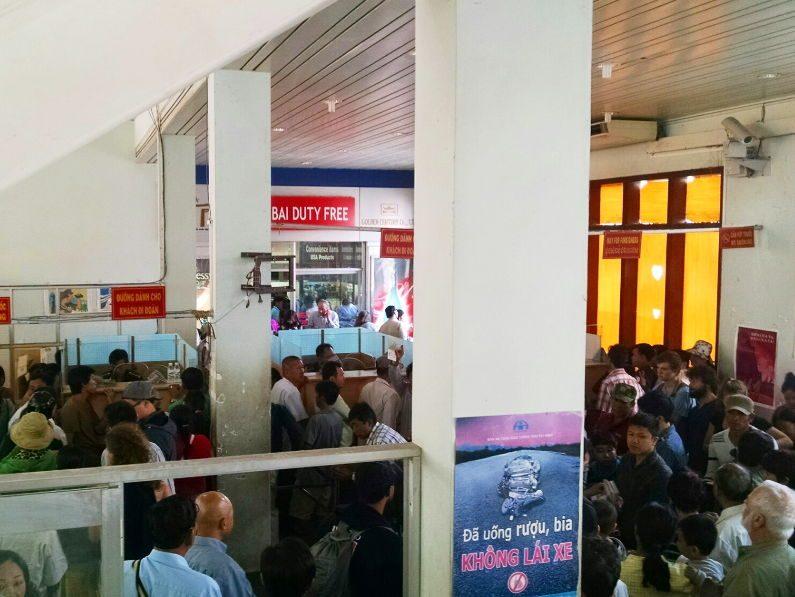 Border Customs on Mekong Express