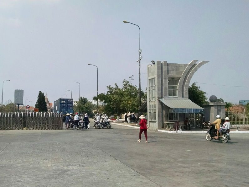 Border View on Mekong Express