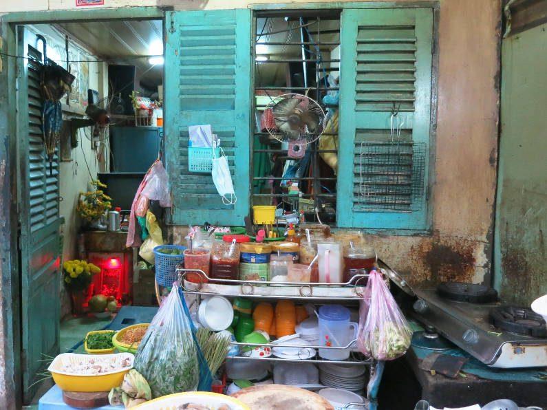 Kitchen at Quan Oc Co Sang Saigon