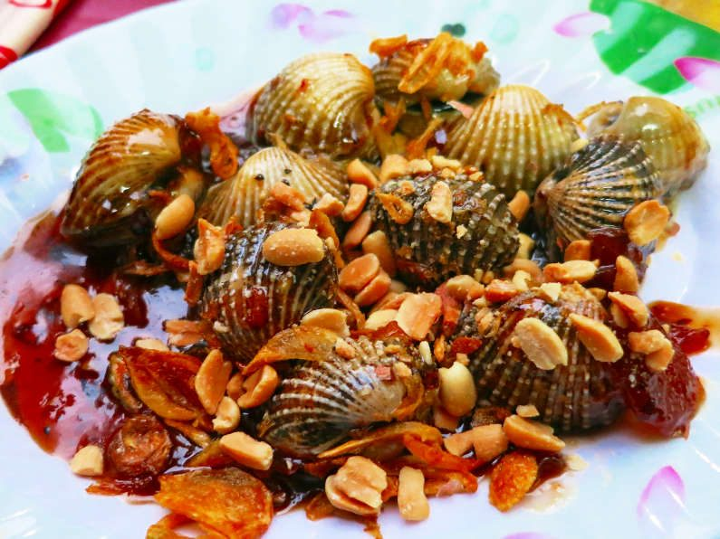 More Cooked Cockles at Quan Oc Co Sang Saigon
