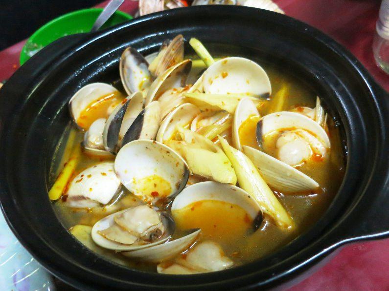 Pot of Cooked Clams at Quan Oc Co Sang Saigon