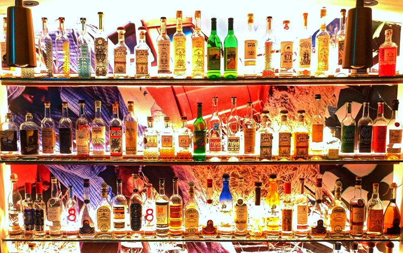 "Drinks Singapore Cocktails at Junior ""The Pocket Bar"""