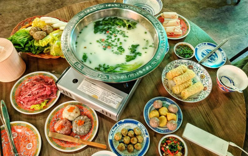 Eat Hong Kong Hot Pot at SUPPA 十下火鍋