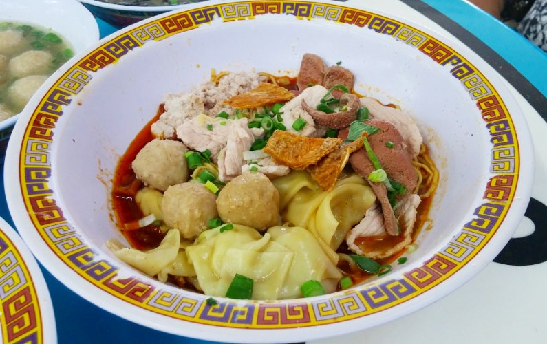 Eat Singapore Tai Hwa Pork Noodle at Hill Street