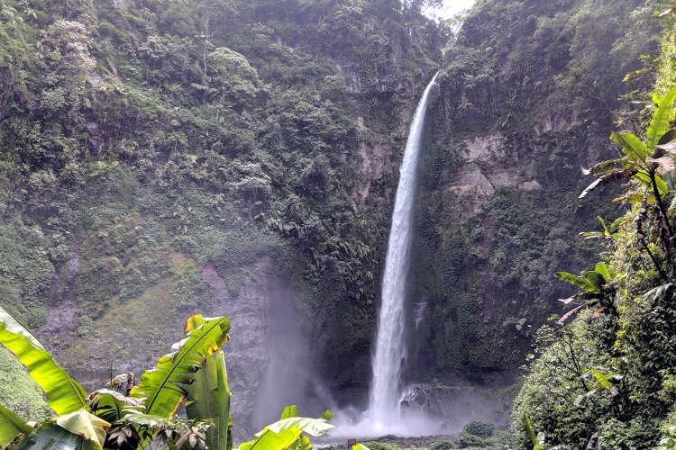Refreshing Air Terjun Coban Pelangi Waterfall