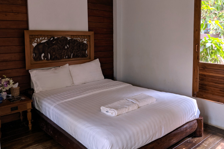 Chiang Mai Chai Lai Bed