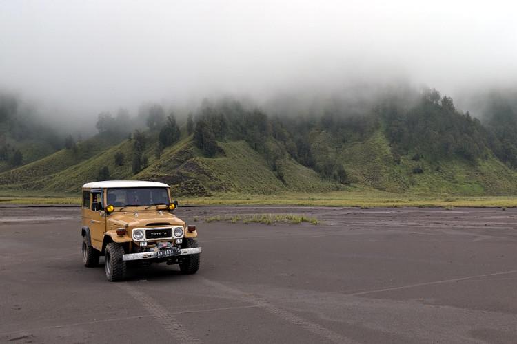Jeep Mount Bromo Sand Dunes