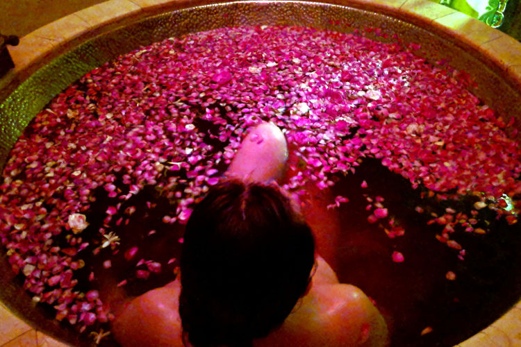 Nadia Rose Water Apsara Spa Malang