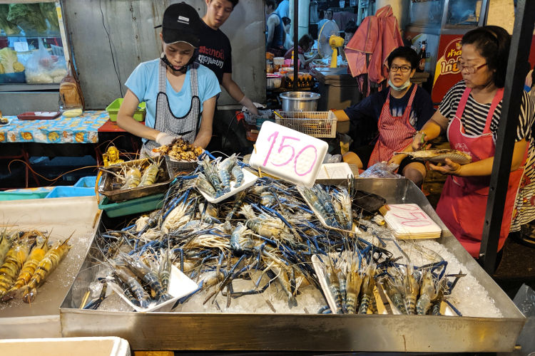 Shellfish Saturday Night Market Chiang Mai Thailand