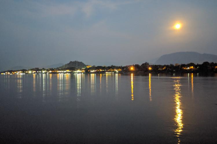 Sa Sa Sunset Cruise Moon Luang Prabang Laos 2019